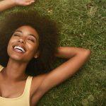 Pinetonina: Melhora o estado de humor e bem-estar
